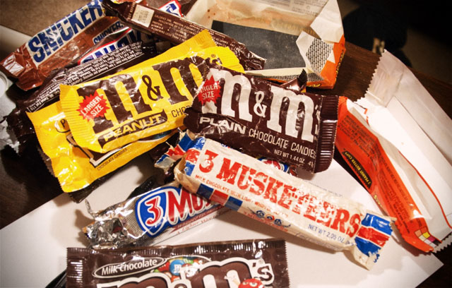 30-Year-Old-Snickers – Wrappers Recovered | CollectingCandy.com
