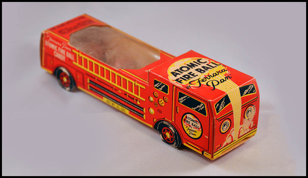 Ferrara Pan - Atomic Fire Ball - Candy 1975 Ferrara Pan Atomic Fire Ball Engine - novelty candy box - Photo 1