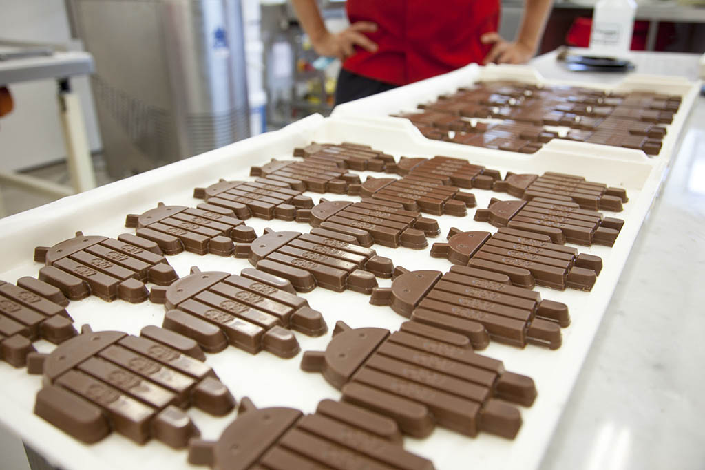 Android robot-shaped KitKat bars!