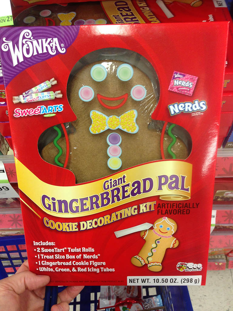 Wonka - Giant Gingerbread Pal cookie decorating kit - 2013