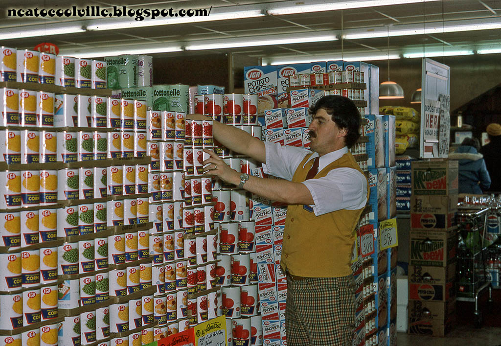 IGA private label canned veggies photo circa 1976 - Image courtesy Todd Franklin